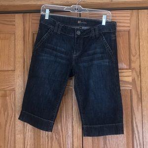 Bermuda shorts. Size 4.